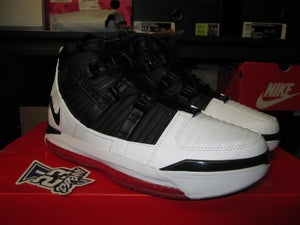 "Image of Zoom LeBron III QS ""Home"""