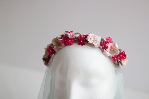 Image of Tocado de flores Rosa y Fucsia