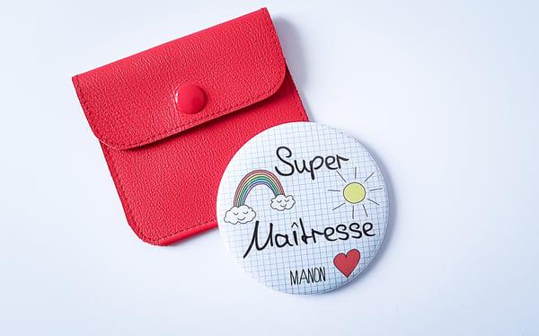 """Image of Miroir """"Super maîtresse"""" personnalisable + pochette en cuir rouge"""