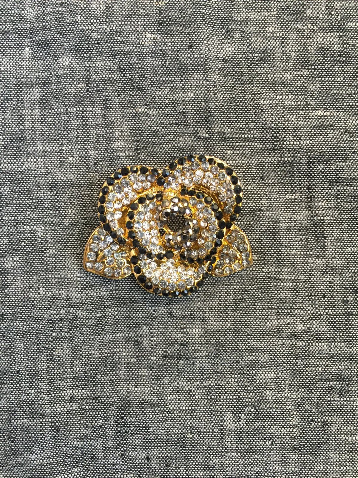 Image of Bright Flower Brooch (Black)