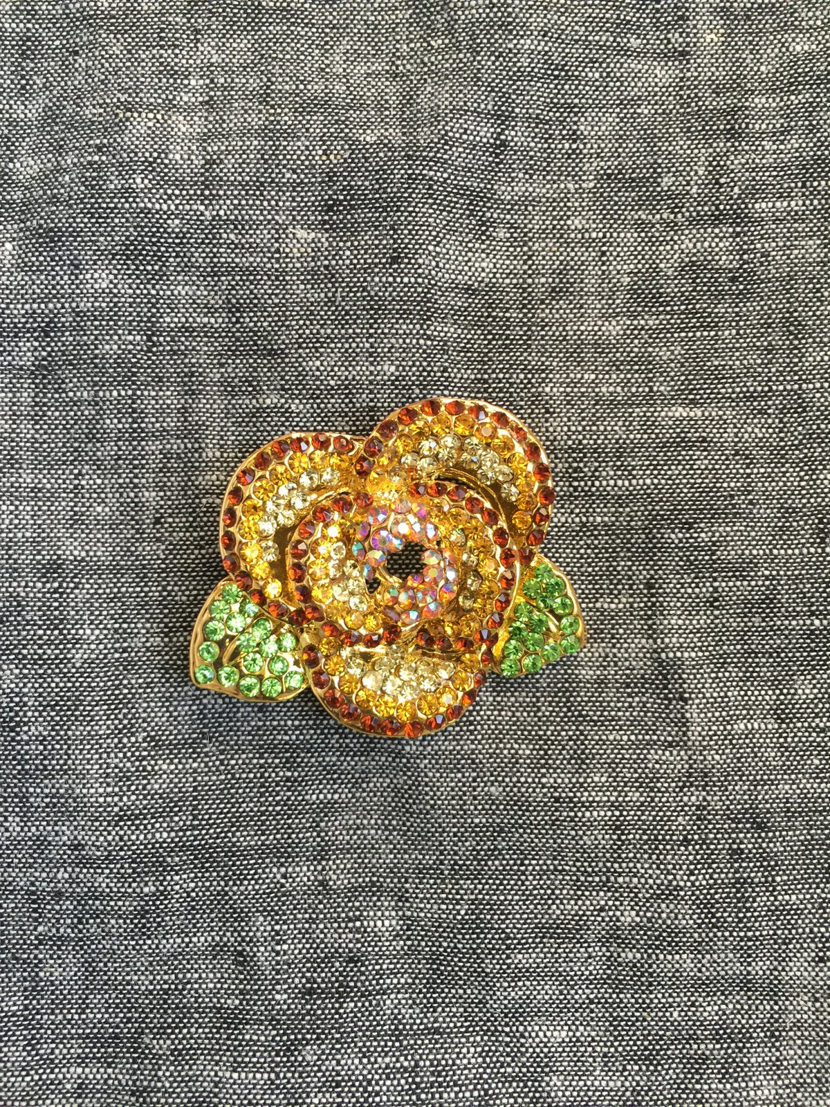 Image of Bright Flower Brooch (Topaz)