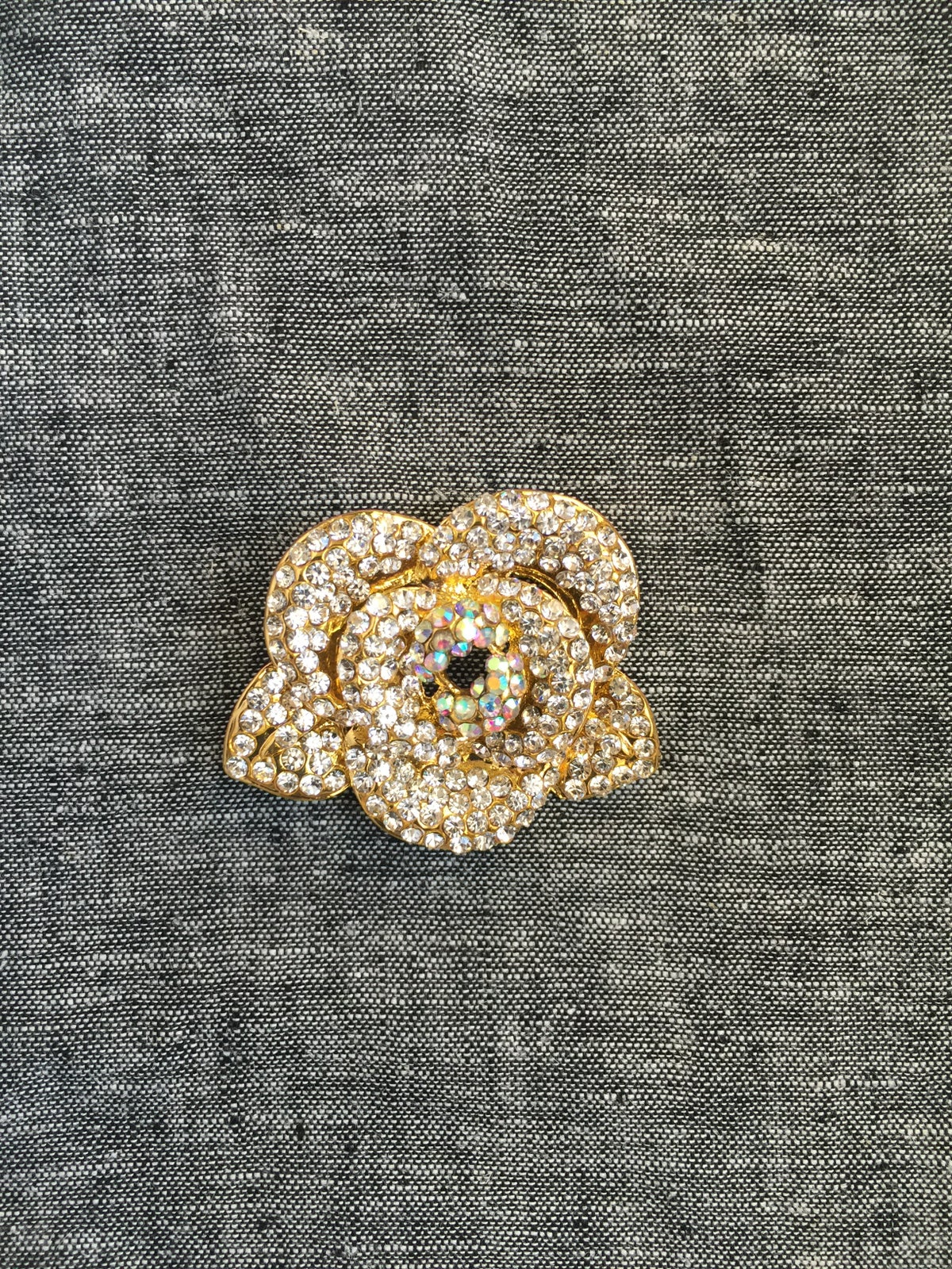 Image of Bright Flower Brooch (Crystal)