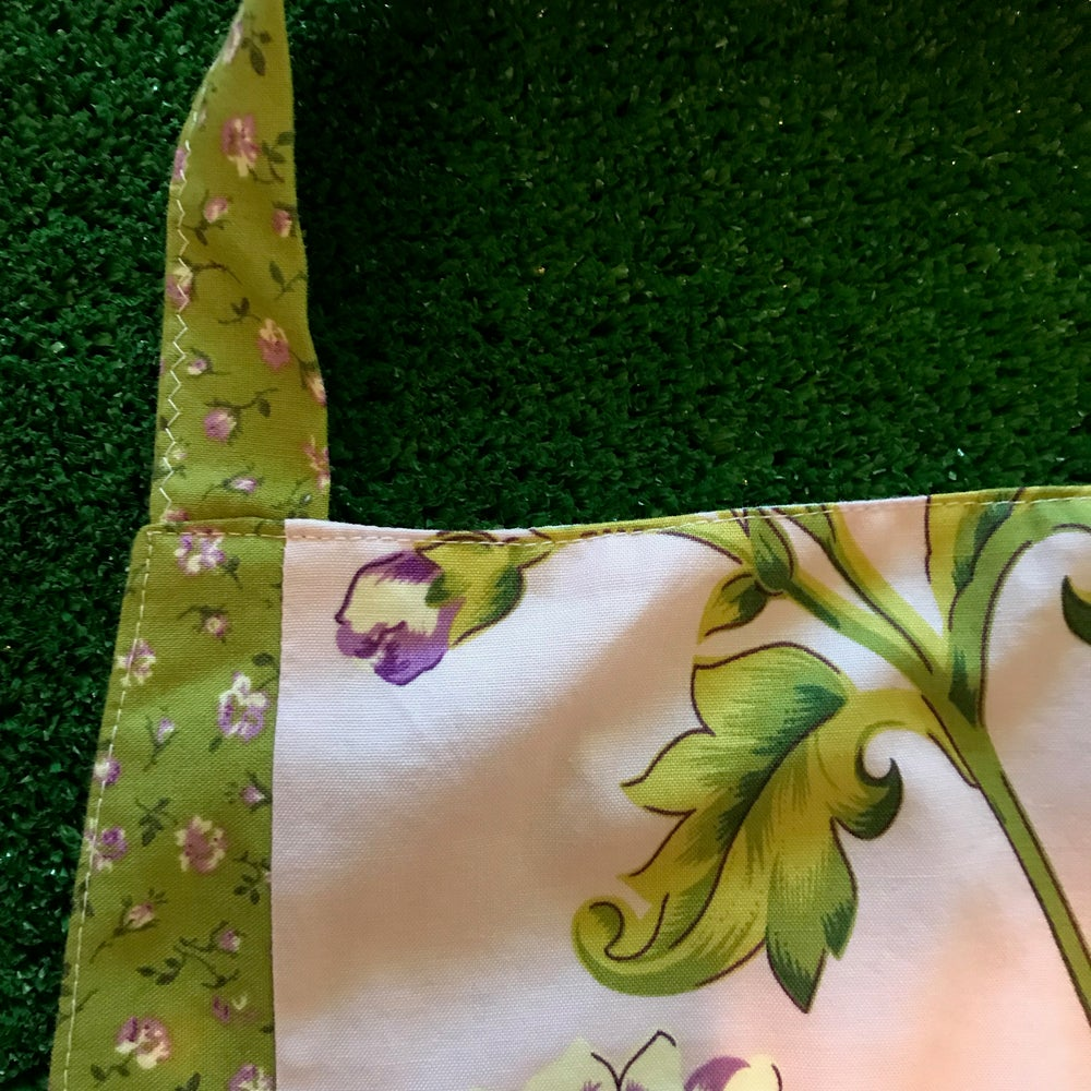 Image of Full Apron, Waverly Lilac and Green Flower