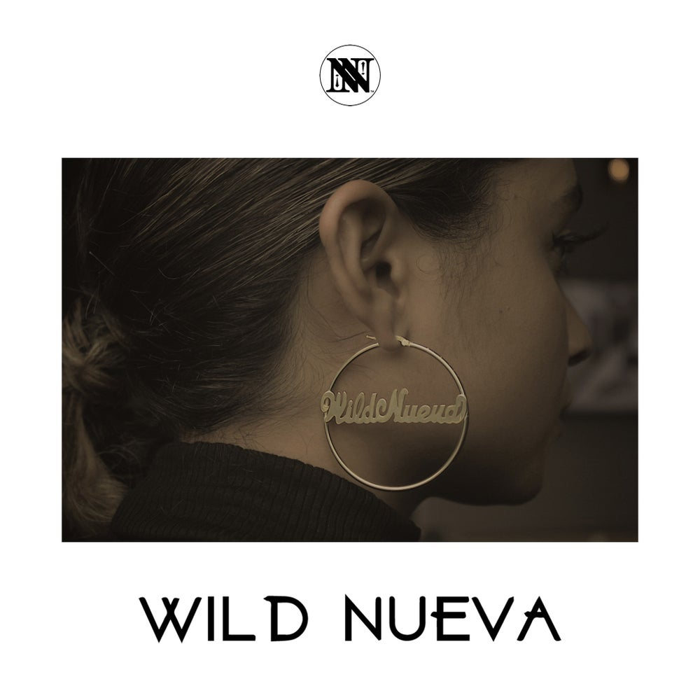 Image of [ N U E V A ] Gold hoop earrings