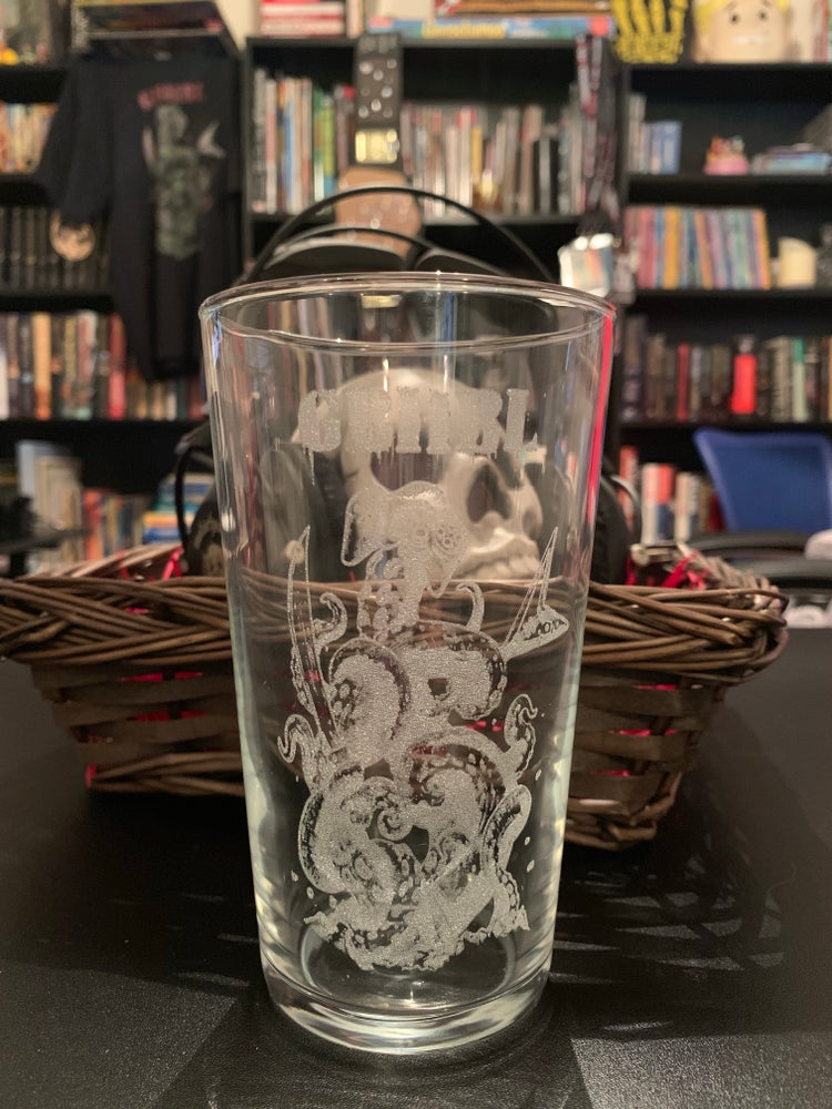 Image of Embossed Pint Glass