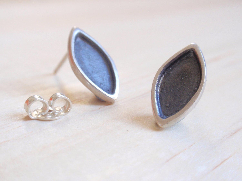 Image of Black Ogival Stud Earrings