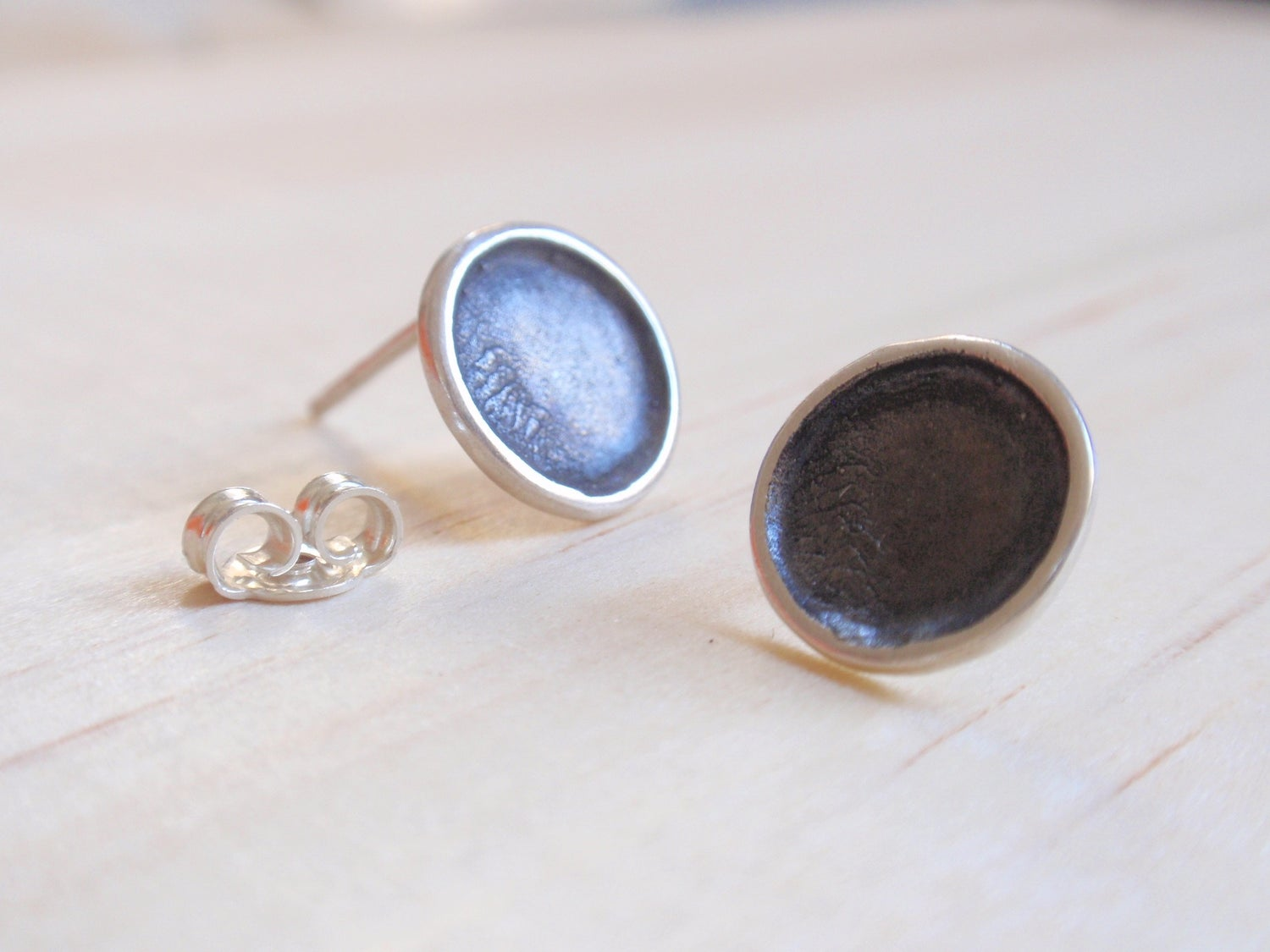 Image of Black Circle Stud Earrings