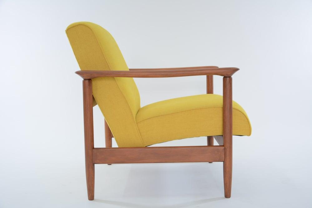 Image of Fauteuils Carrés jaunes