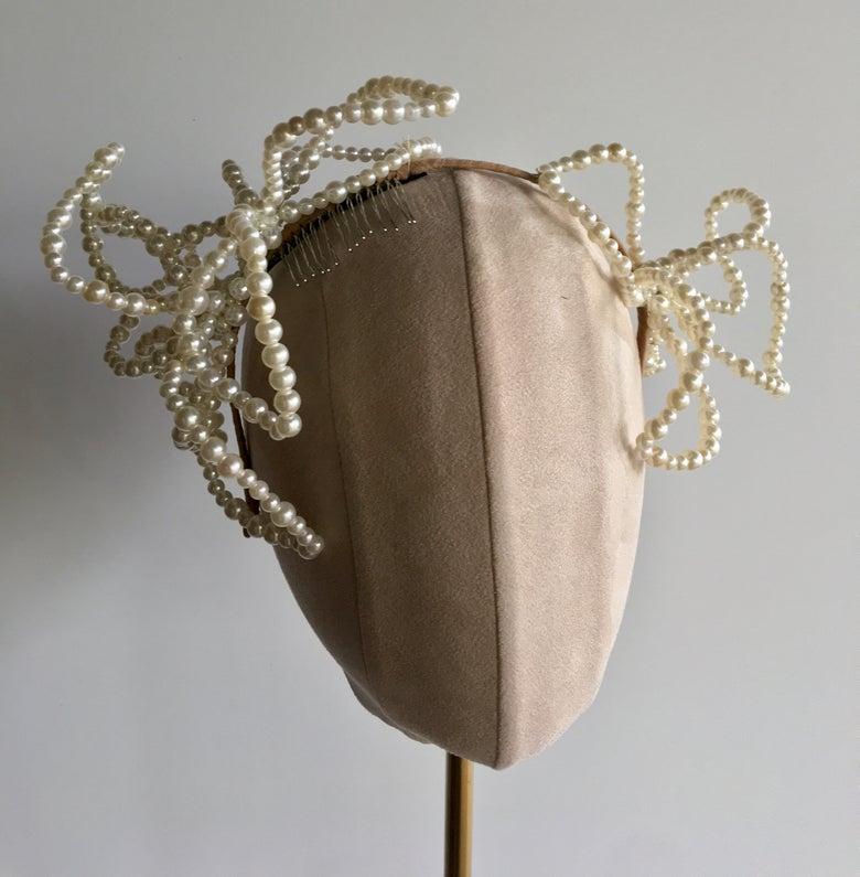 Image of Pearl headpiece