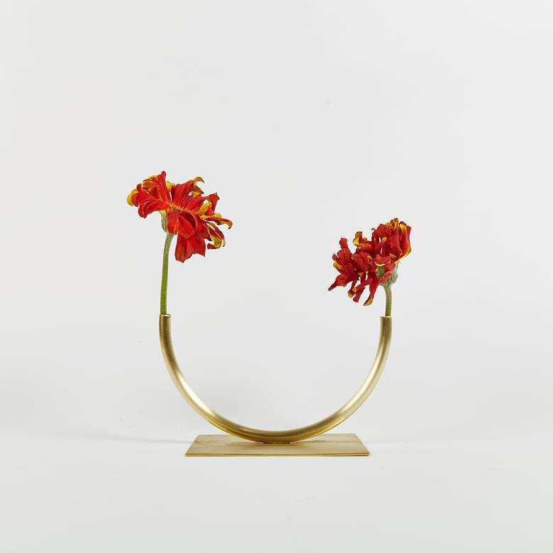 Image of Vase 346 - Halfway to a Circle Vase