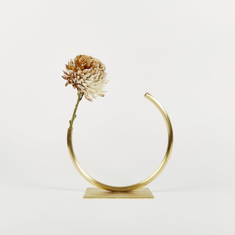 Image of Vase 774 - Edging Over Vase
