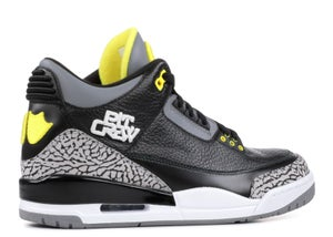 "Image of AIR JORDAN 3 RETRO ""OREGON PIT CREW"""