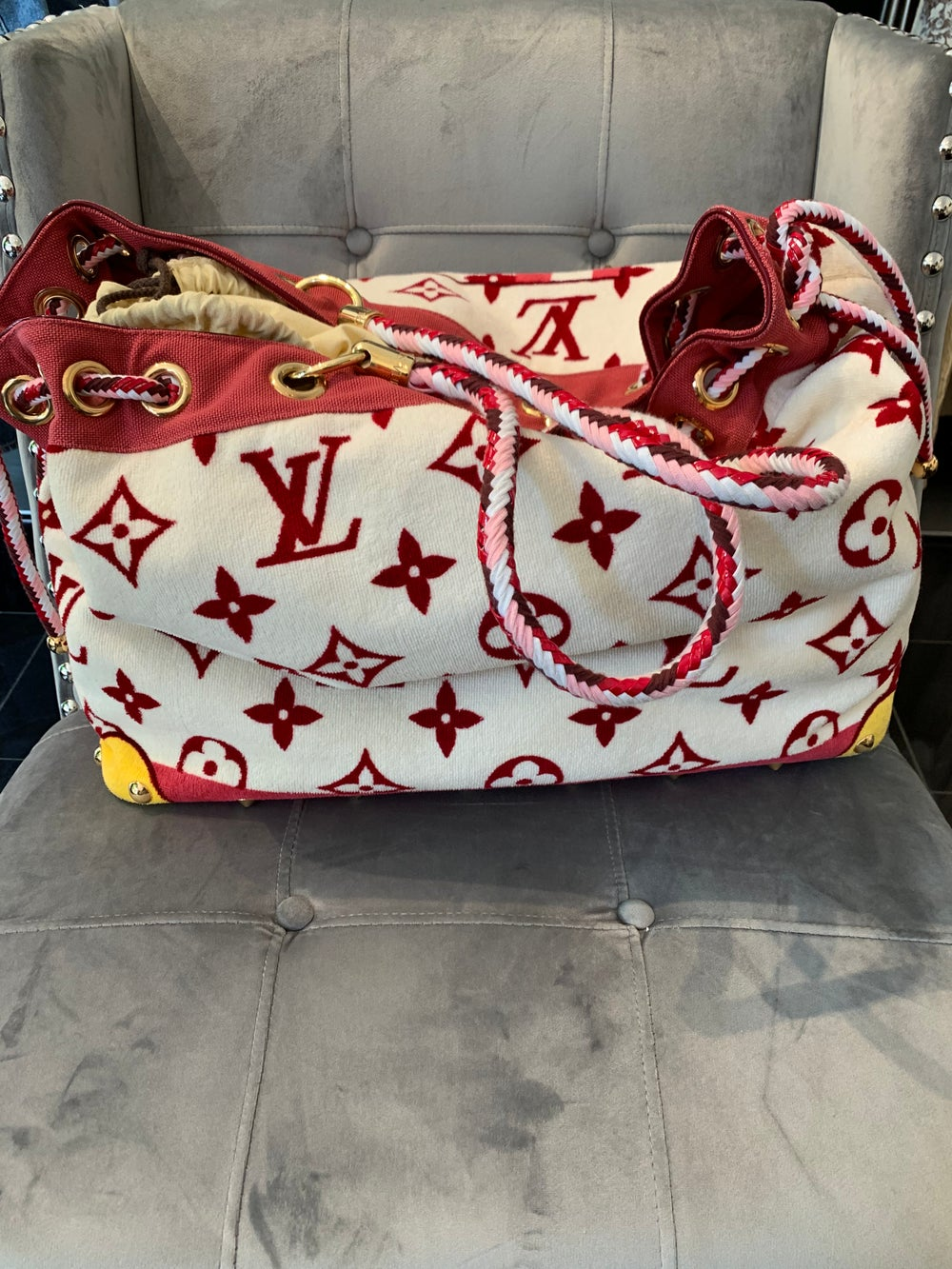 Image of LOUIS VUITTON RESORT TOTE