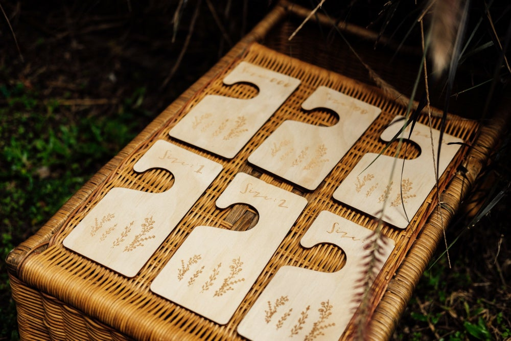 Image of WILDFLOWER DESIGN - SET OF 6 TIMBER CLOTHING DIVIDERS