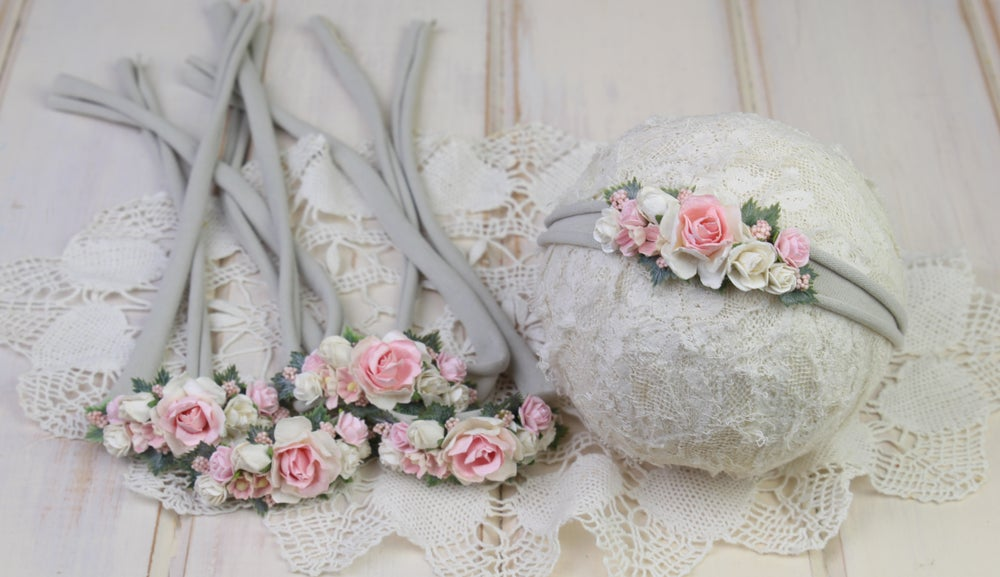 Image of Paper Flowers in the Garden Tieback - a