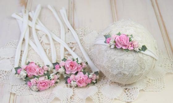 Image of Paper Flowers in the Garden Tieback - d