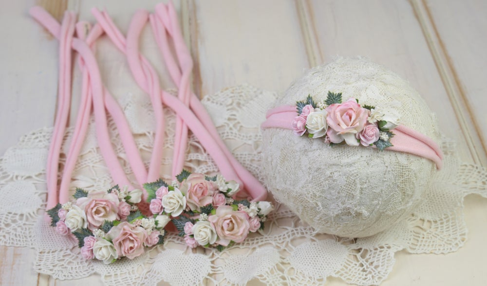 Image of Paper Flowers in the Garden Tieback - e