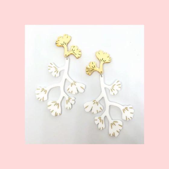 Image of Maiden Hair Fern Dangles (White/Gold)