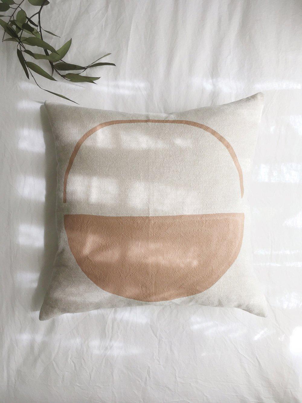 Image of Luna Pillow Dune