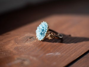 Image of Vintage Blue Floral Cabachon Gold Ring