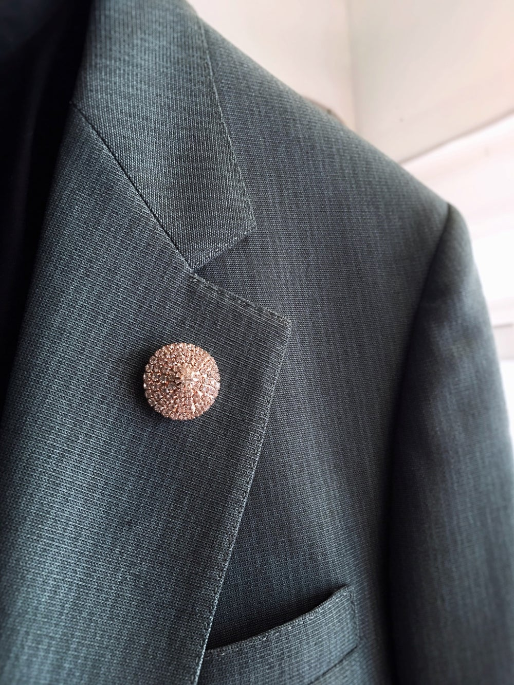 ROSE GOLD JEWELED | LUXURY LAPEL PIN