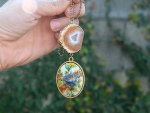 Image of vintage floral with natural geode agate slice