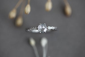 Image of platinum 5.0mm rose cut diamond ring (IOW103)