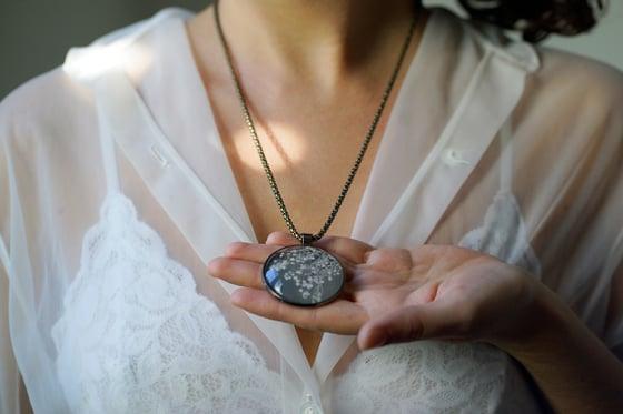 Image of Pendant Necklace Wild Bouquet