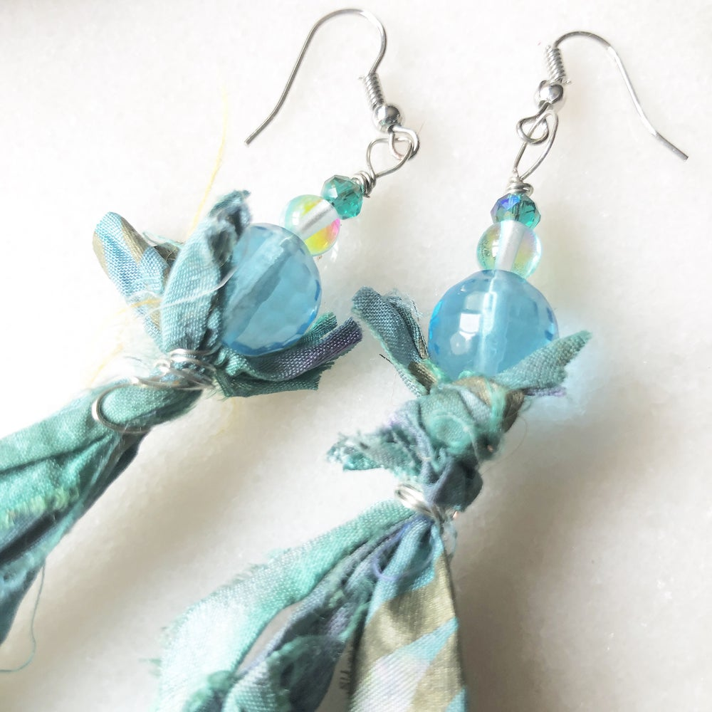 Image of Water Healing/Aquamarine and Hand Dyed Silk Necklace and Earring Set