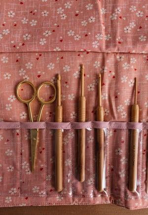Image of Estuche de tela para agujas circulares / ganchillos