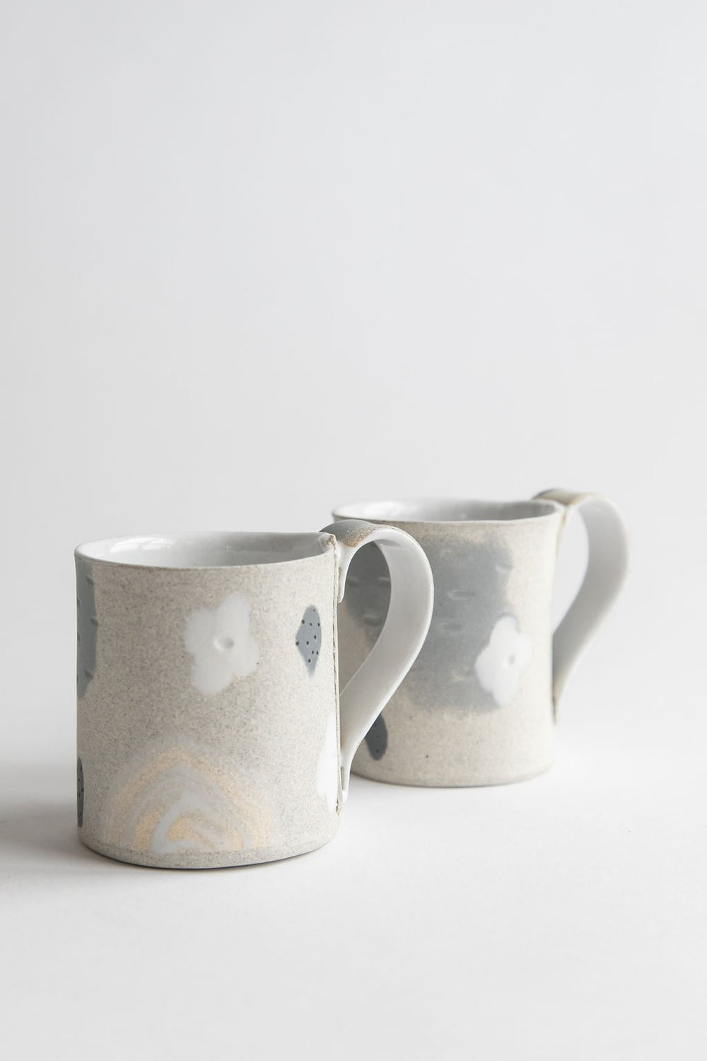 Image of White flower granite slate handled mug