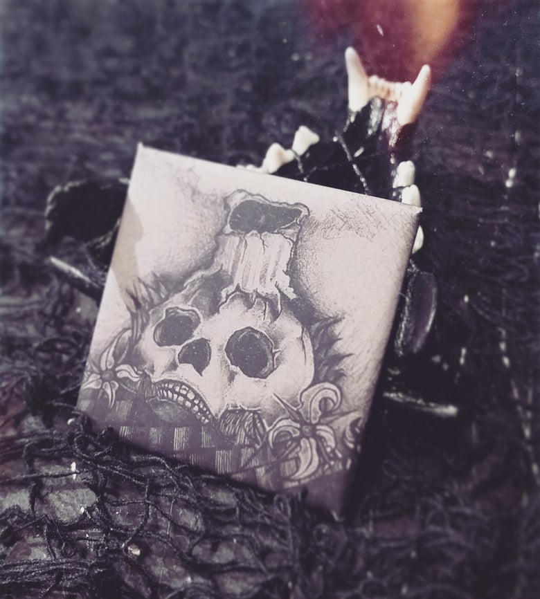 Image of Skull Candle