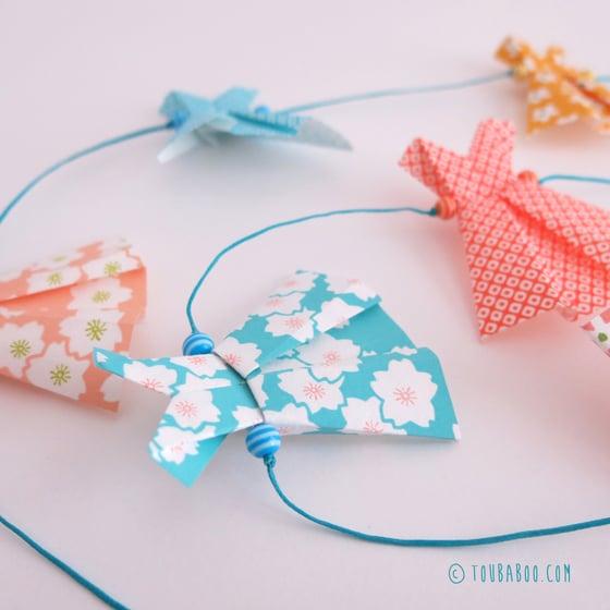Image of Guirlande robes origami