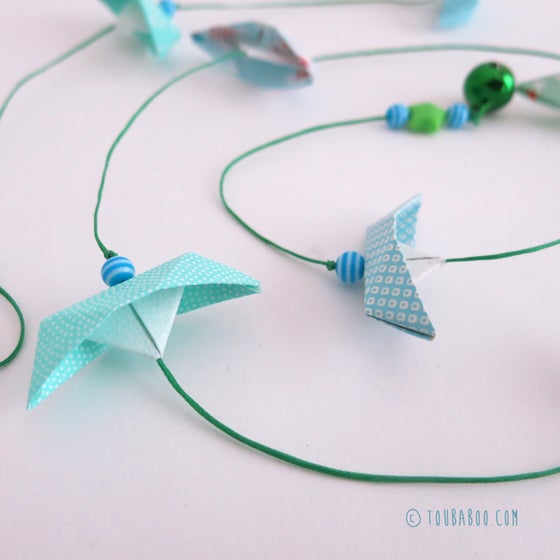 Image of Guirlande origami bateaux