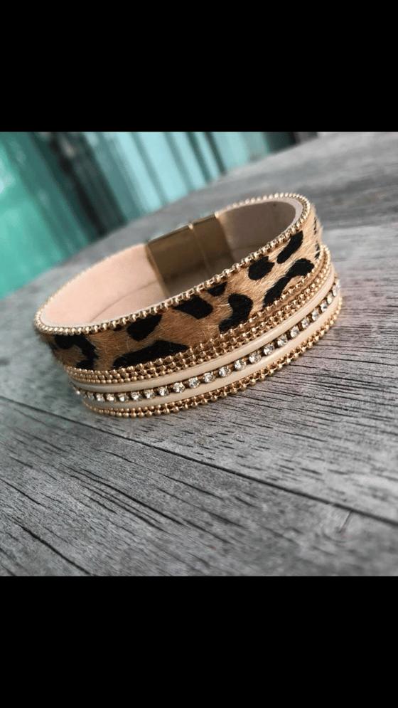 Image of Magnetic leopard bracelet