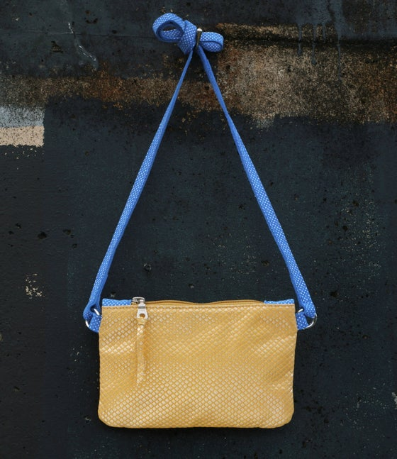 Image of Mini Chelsea Crossbody - Lemon/azul