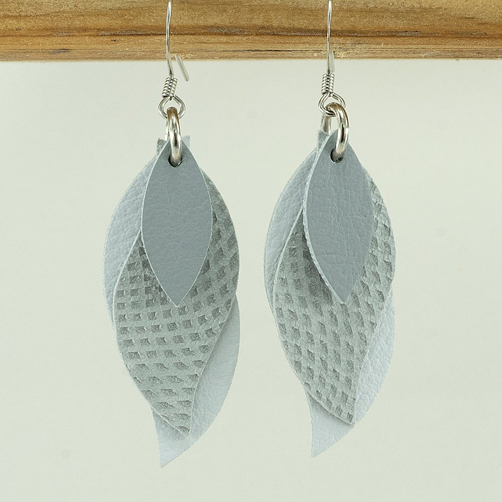 Image of Handmade kangaroo leather leaf earrings - diamond grey and white [LGY-196]