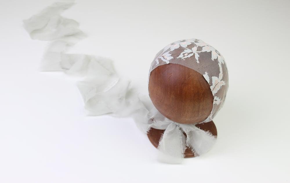Image of Grey & Blush Newborn Bonnet