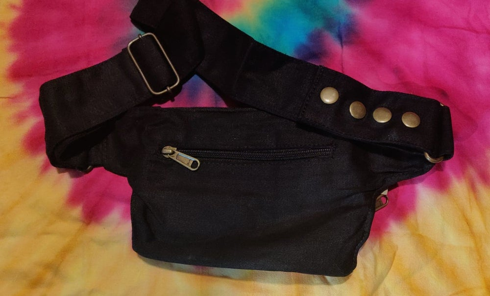 Image of Simple Black n' Brass Fanny Pack Belt