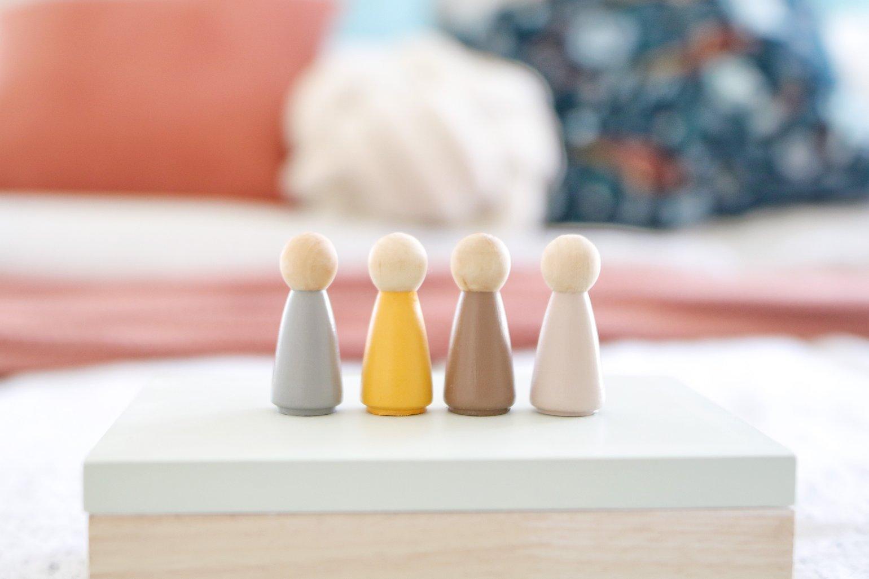 Image of Female Wooden Peg Dolls (Set of 3)