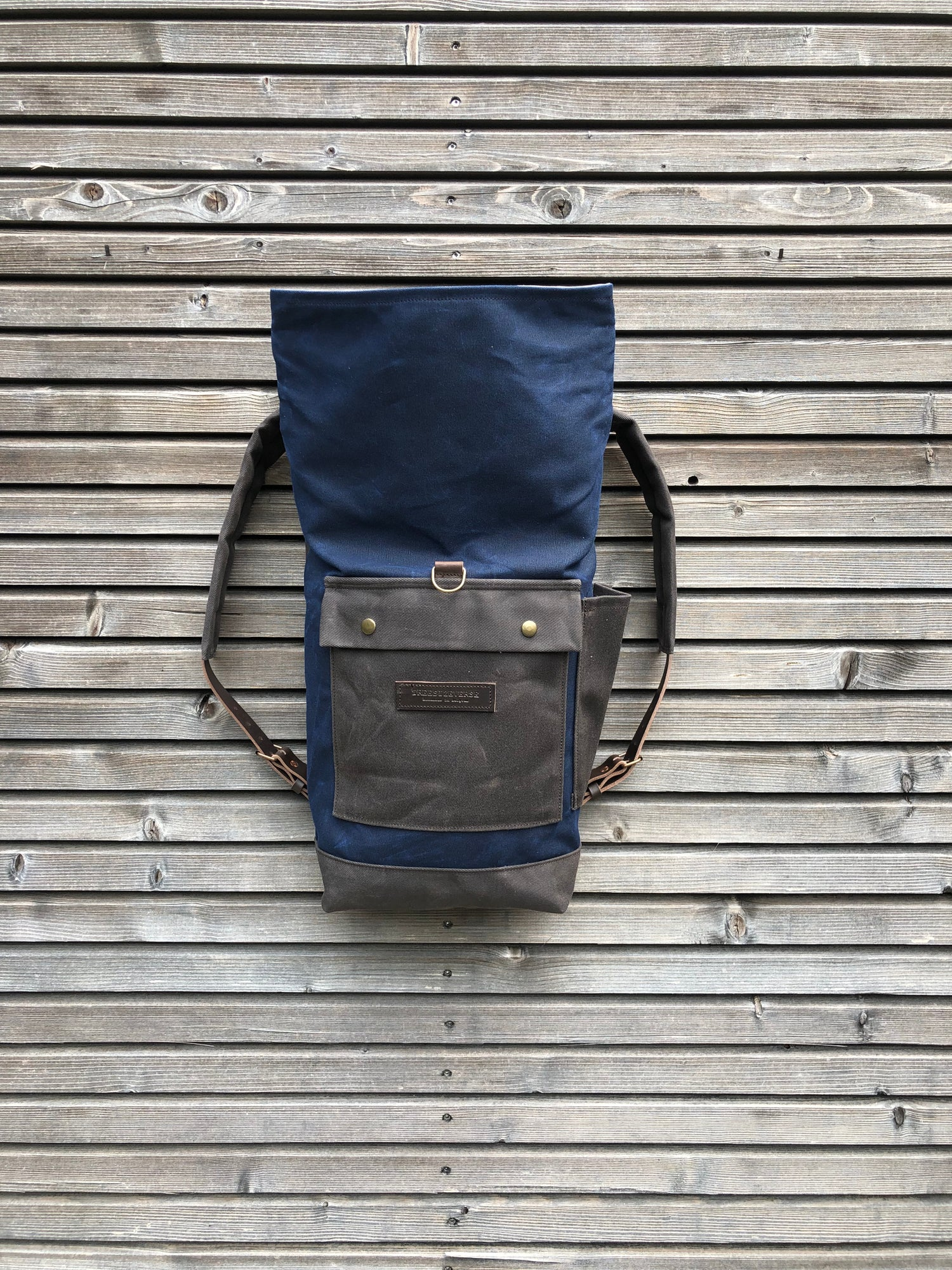 Image of Medium size backpack in waxed canvas / waterproof backpack with padded shoulder straps and w