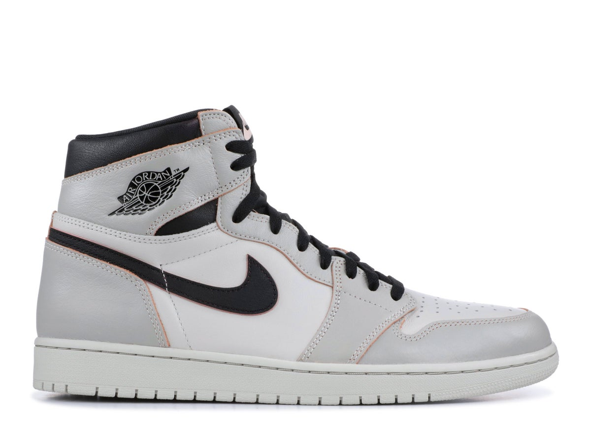 "Image of  AIR JORDAN 1 RETRO HIGH SB ""Light Bone"""