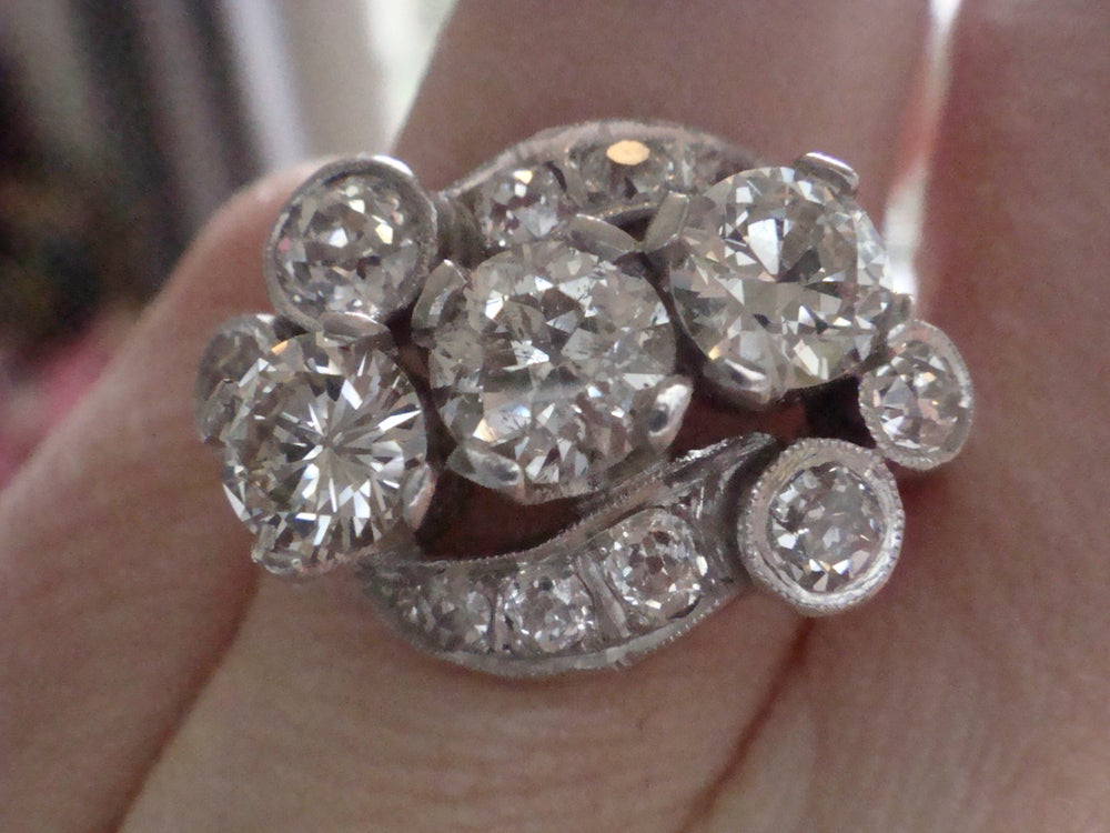 Image of ART DECO PLATINUM DIAMOND 3 STONE CLUSTER RING APPROX 3.00CT