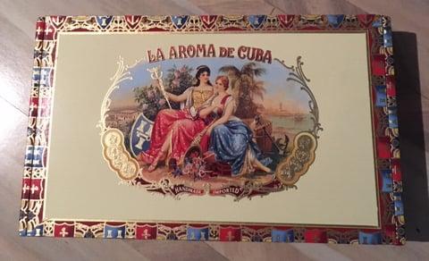Image of La Aroma De Cuba Monarach