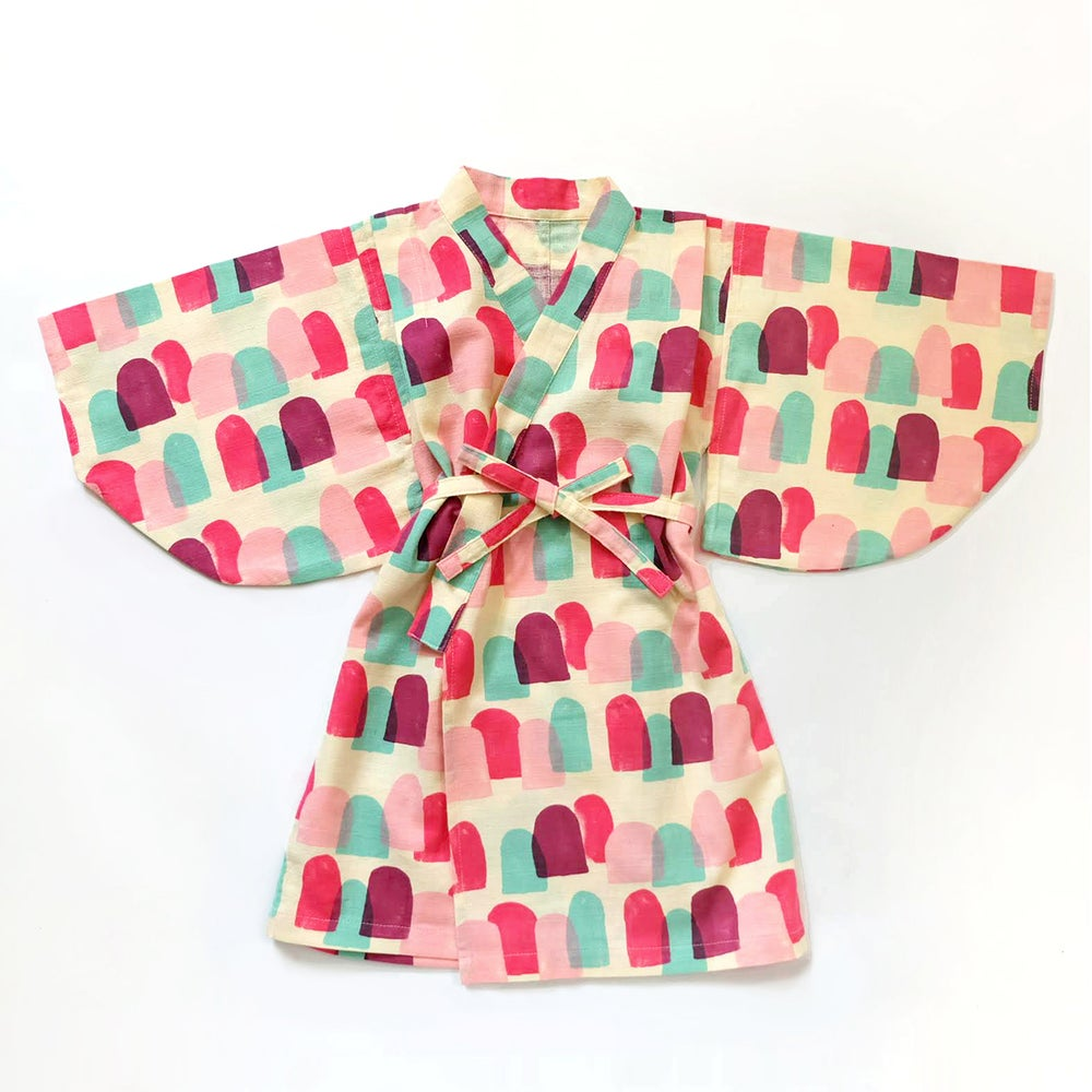 Image of COLOURFUL MOUNTAIN PINK KIMONO