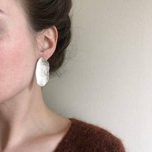 Image of ova earring