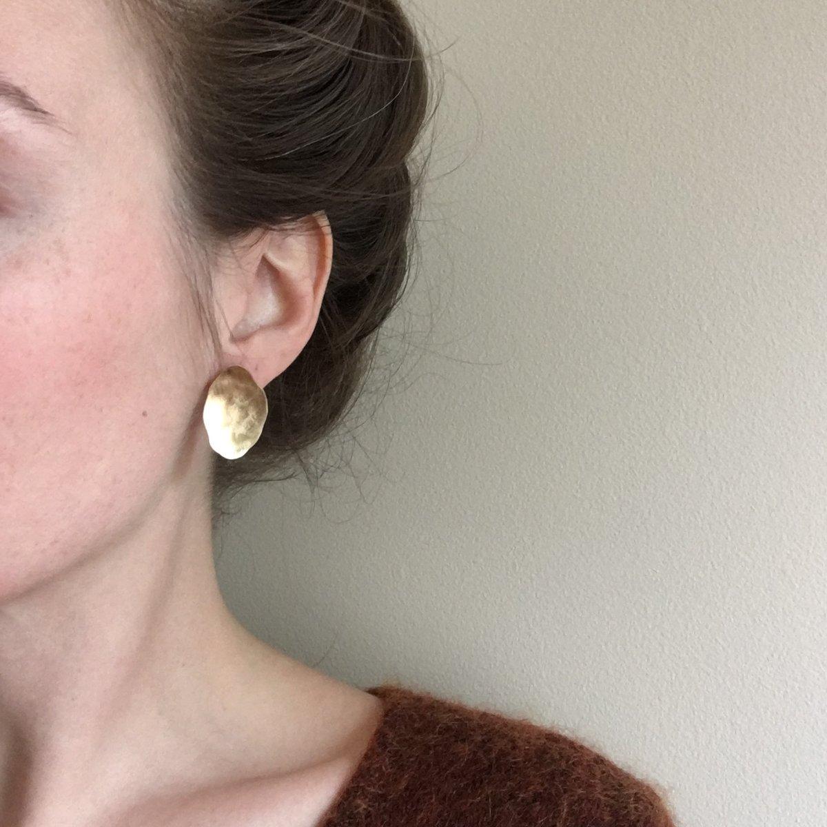 Image of trillium earring