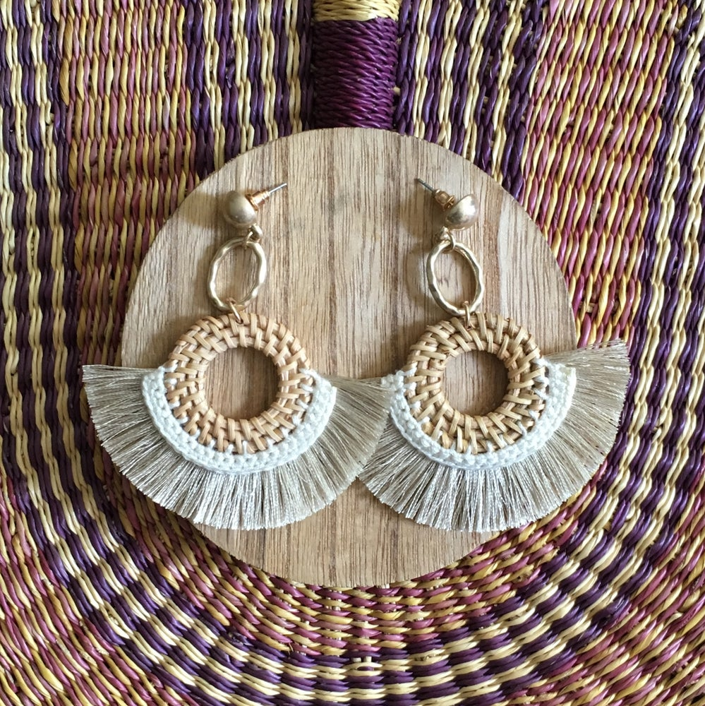 Image of •até• fan fringe earrings