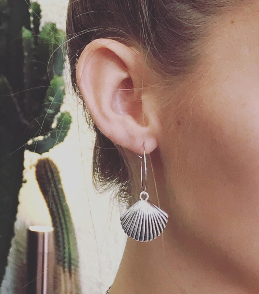 Image of Seashell hoop earrings