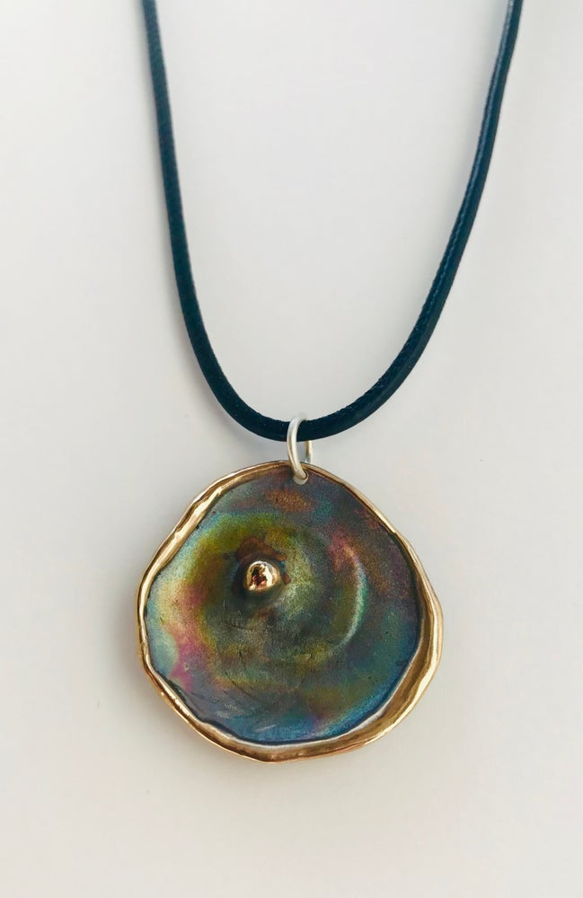 Image of Oysteresque Pendant